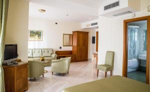 Grand Hotel Victoria, Hotely  Bagnara Calabra - big - 51