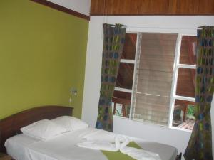 Double Room with Shared Bathroom 4 no A/C