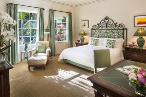 Riviera Room with king bed