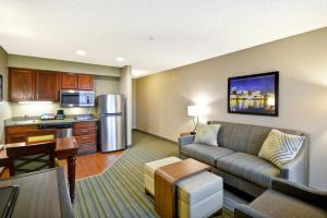 Non-Smoking One Bedroom Double Suite