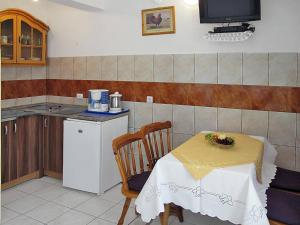 Haus Brzic (108), Apartments  Crikvenica - big - 7