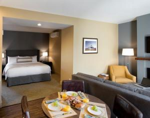 Deluxe King Suite - Extended Stay