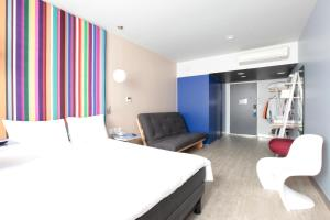 Suite with Double Bed and Sofa Bed (3 Adults)