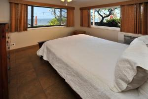 One-Bedroom Apartment with Ocean Front View