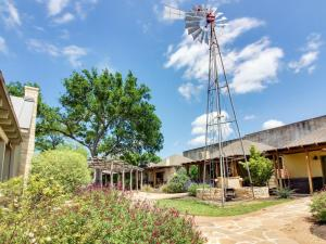 Wine Country Cottages on Main: Tank House, Case vacanze  Fredericksburg - big - 50
