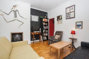 Unique, Quirky 1BD in Belsize Park, Londra