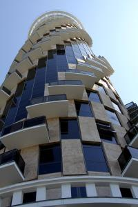 Batumi Sea tower at Sharon's, Apartments  Batumi - big - 5