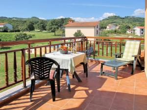 Villa Helena 131S, Holiday homes  Potpićan - big - 12