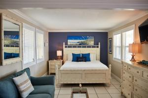 Ocean Front King Suite (Caribbean Beach Suite)