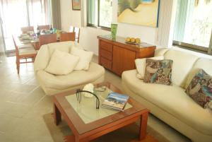 Three Bedroom Home - Walk to Beach & Pool, Nyaralók  Playa del Carmen - big - 20