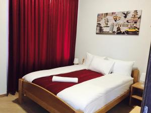 Becar Pyramid Rooms, Bed and breakfasts  Visoko - big - 1