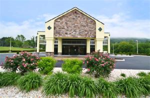 Photo of Best Western Cades Cove Inn