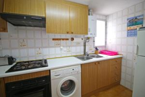 Holiday Apartment Apolo III, Apartmány  Calpe - big - 6