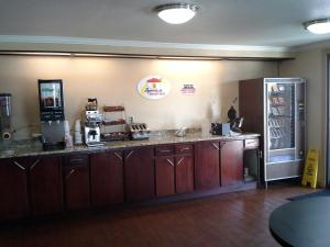 Travelodge Tulsa, Hotel  Tulsa - big - 11