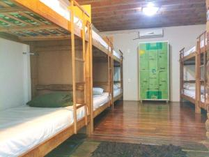Bed in 10-Bed Mixed Dormitory Room with Air Conditioning