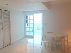 One Bedroom, Ocean View, Full Kitchen - 1101