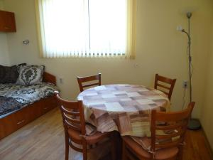 Orange Apartment, Apartmanok  Veliko Tarnovo - big - 2