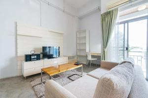 Collection Place By Favstay, Apartments  Bangkok - big - 4