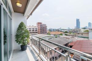 Collection Place By Favstay, Apartments  Bangkok - big - 6