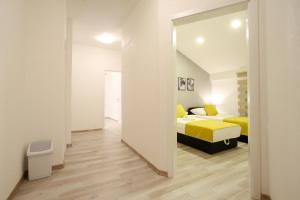 Central Located Guest House стая снимки