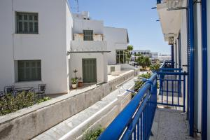 Cozy flat in Tinos, Appartamenti  Tinos Town - big - 9