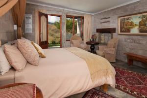Large Double Room with Mountain View