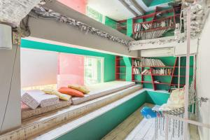 Saladaeng Gallery Hostel By Favstay, Apartmanok  Bangkok - big - 25