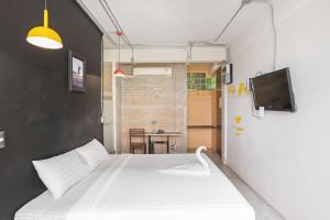 Saladaeng Gallery Hostel By Favstay, Apartmanok  Bangkok - big - 15