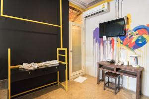 Saladaeng Gallery Hostel By Favstay, Apartmanok  Bangkok - big - 13