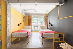 Saladaeng Gallery Hostel By Favstay, Apartmanok  Bangkok - big - 2