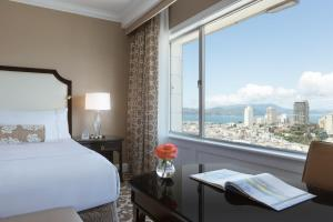 Signature King Room with Bay View