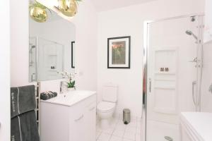 Towny Downtown Haven - 2 Bedrooms, Apartmány  Auckland - big - 6