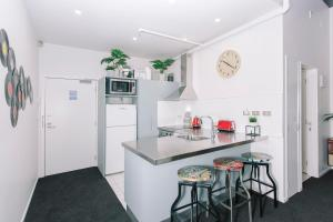 Towny Downtown Haven - 2 Bedrooms, Apartmány  Auckland - big - 14