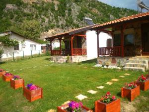 Karali Apartments, Apartments  Lagadin - big - 33