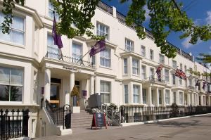 отель Premier Inn London Kensington Olympia, Лондон