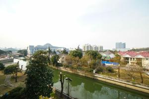 Suzhou Amusement Land Family Apartment, Apartments  Suzhou - big - 51