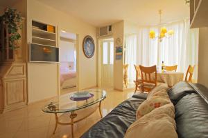 Holiday Apartment Oceanic, Apartmanok  Calpe - big - 8