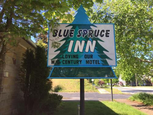 Ludington Blue Spruce Inn Photo