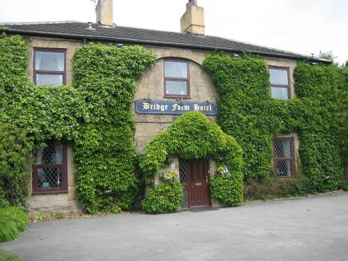 Bridge  Hotel (Bed & Breakfast)
