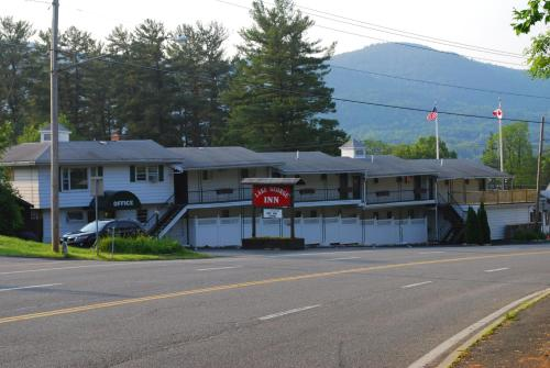 Hotel The Lake George Inn thumb-2