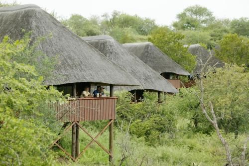 Nkwazi Lake Lodge Photo