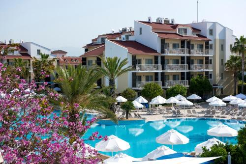 Barut B Suites, Side
