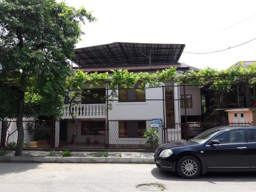 GuEsT HoUsE, Gagra
