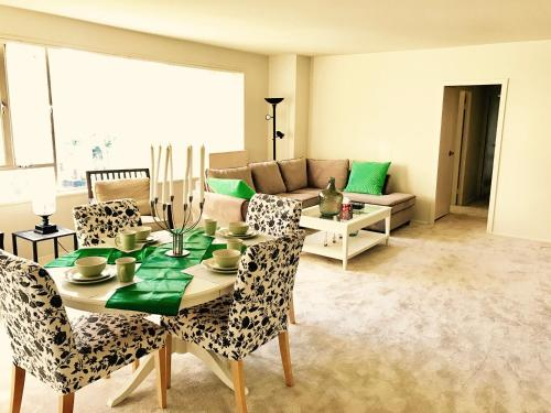 Comfortable Apartment at Grove - Los Angeles, CA 90036