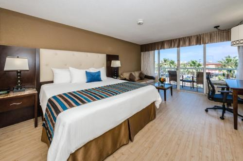 DreamView Beachfront Hotel & Resort Photo