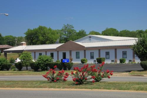 Americas Best Value Inn - Shelbyville Photo