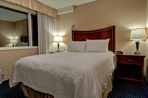 Best Western Plus Suites Downtown Calgary Photo
