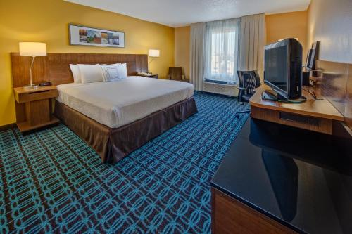 Fairfield Inn and Suites by Marriott Orlando Near Universal Orlando photo 4