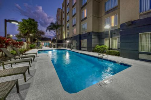 Fairfield Inn and Suites by Marriott Orlando Near Universal Orlando photo 10