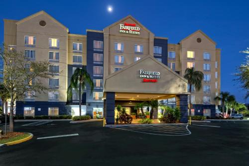 Fairfield Inn and Suites by Marriott Orlando Near Universal Orlando photo 16